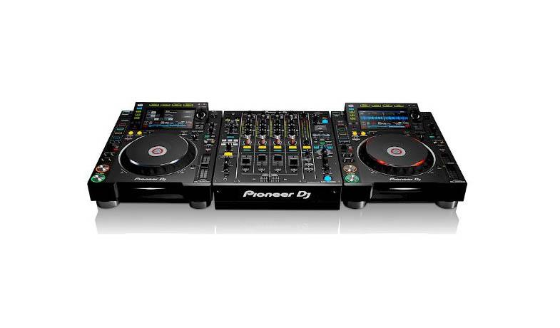 Pioneer CDJ 2000 nexus 2 DJ set